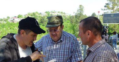В Душанбе прошел субботник по благоустройству воинских захоронений