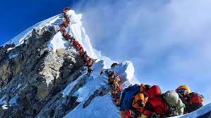 Альпинист Виталий Хинензон стал первым таджикистанцем, покоривший Эверест – высочайшую точку планеты!
